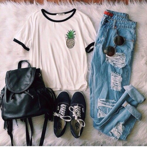 39ba33b51d7e231a5550b6ad30b1d5e7--hipster-jeans-outfit-grunge-hipster-clothes