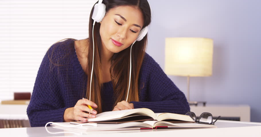 Classical Music and Studying: The Top 10 Pieces to Listen to for ...